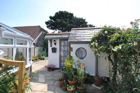 Rose Cottage, Selsey