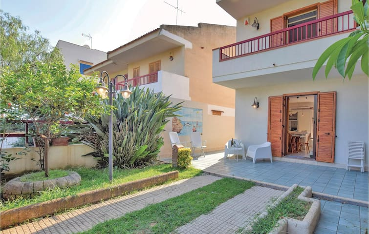 Holiday cottage with 3 bedrooms on 130m² in Marina di Ragusa RG