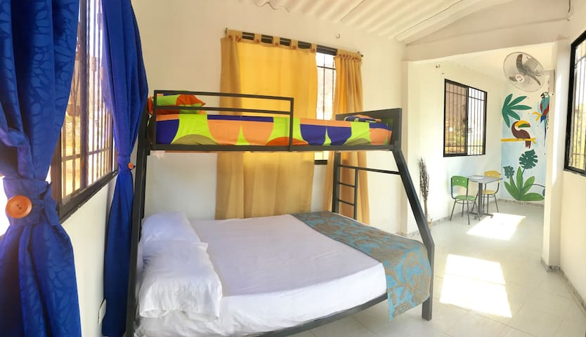Lovely bunk bed/triple room + pool and terrace - Taganga