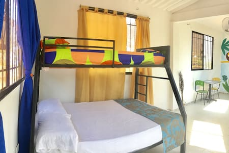 Lovely bunk bed/triple room + pool and terrace - Taganga - Chambres d'hôtes