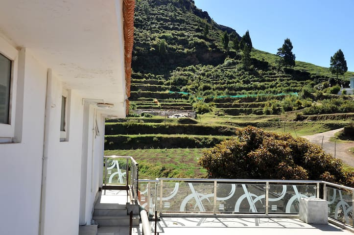 Executive Room in Ooty (3), *Glen View Home Stay*