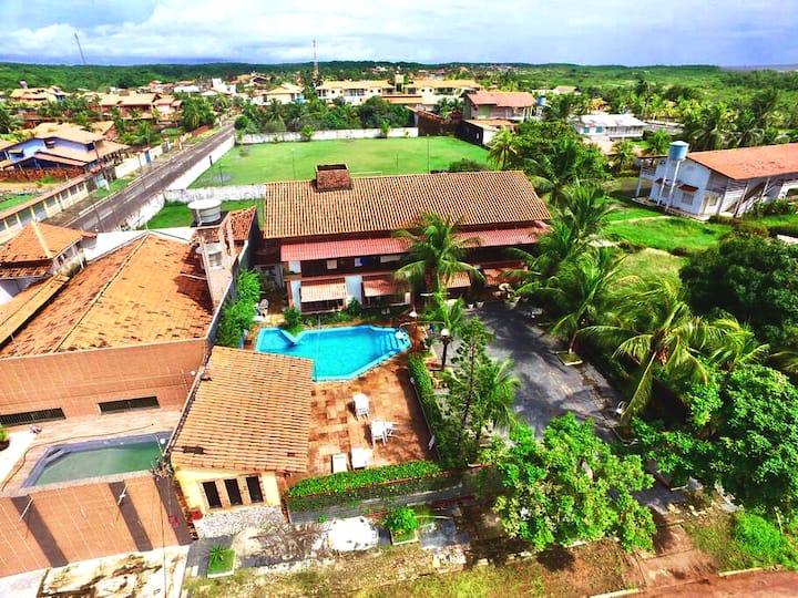 Linda casa com piscina localização privilegiada