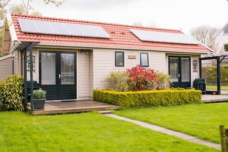 Room near Amsterdam & Volendam - Zuidoostbeemster - Hytte