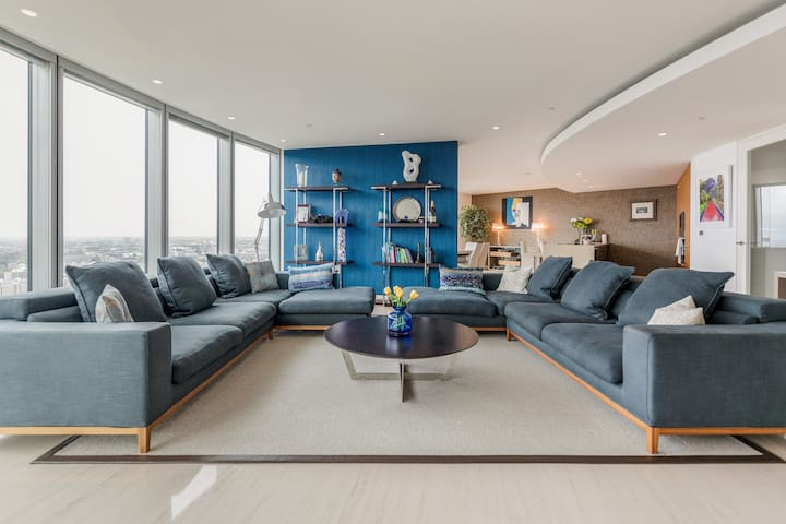 Stunning Upscale High-Rise Apartment on the River