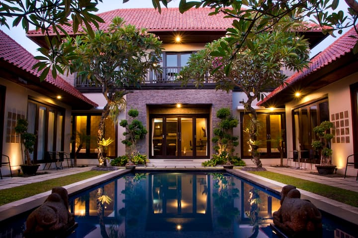 Pool access in the heart of Sanur #SUITE