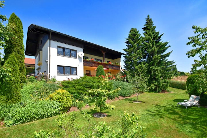 Cozy Apartment in Arnschwang with Garden, Terrace, Barbecue