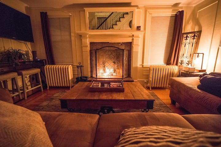 Private In Village, HotTub, 1 bedroom, Fire Place