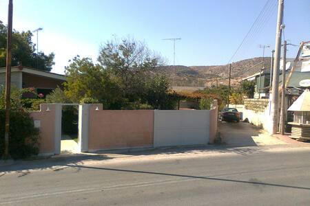 House of 90 sq.m., only 350 m. from the beach. - Agia Marina