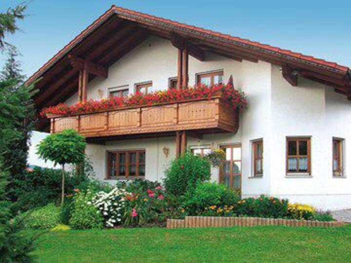 Große Ferienwohnung mit Ausblick, Bad Kötzting