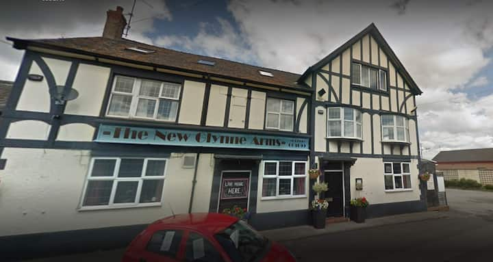 The New Glynne Arms