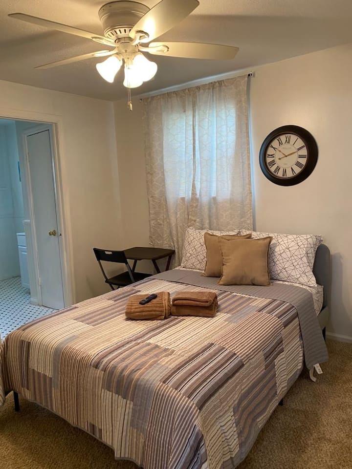 Comfortable, elegant private room and bathroom