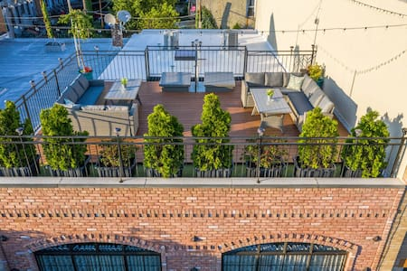 LOFT+Rooftop+Balcony 4Beds 2Bath (NOT FOR PARTIES)