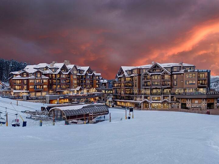 Luxury ski in/ski out at Grand Colorado at Peak 8