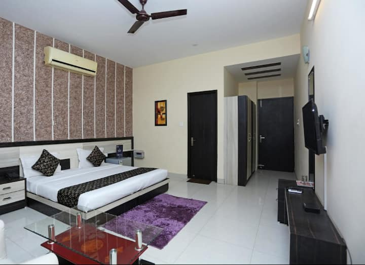 Comfortable stay in Sector 1, Manesar