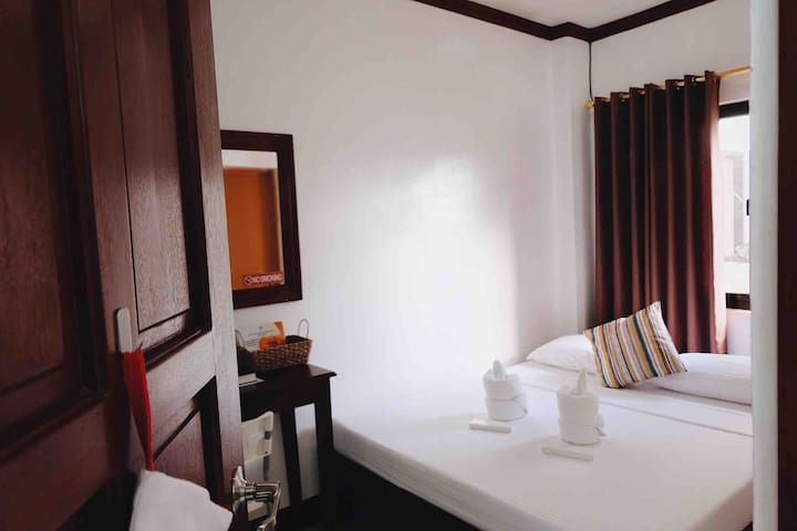 Baler Double Room w/ Bfast & Pool (Endless Summer)