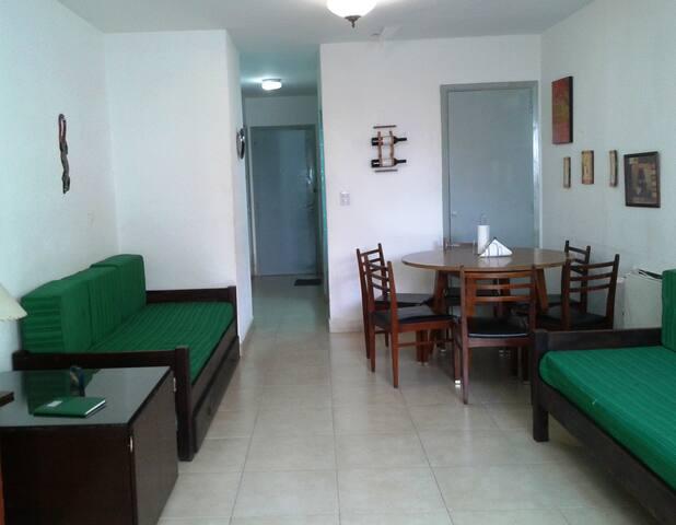Monoambiente amplio - Miramar - Parejas o familias - Miramar - Apartment