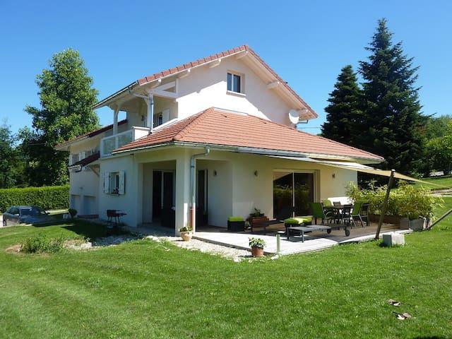 Maison entre lac d'Annecy et Lac Léman - Cruseilles - Дом