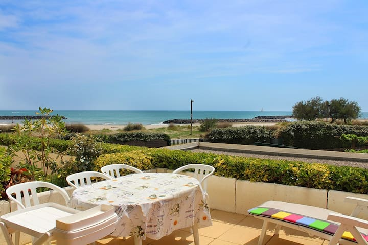 SEA VIEW, IN THE CENTER OF THE MAIL OF ROCHELONGUE, 50M FROM THE SEA - CAP D'AGDE - ref: RM40B