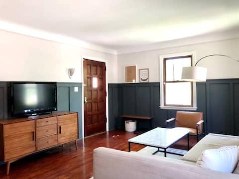 Private modern home near Minnehaha Falls