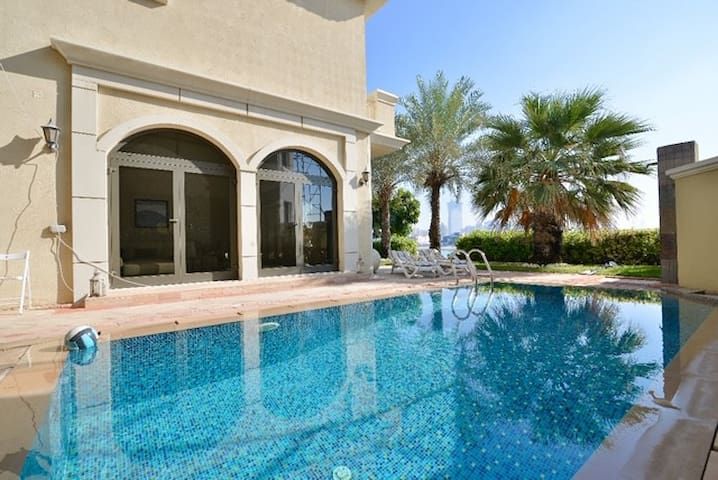 Beatiful 3BRVilla on Palm Jumeirah Front  M
