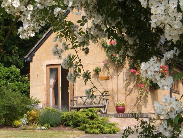 Amblewood Cottage