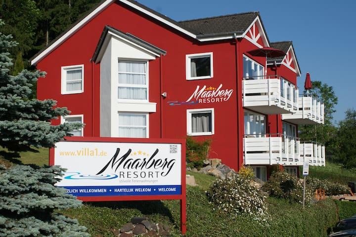 Maarberg Resort, 5 Sterne Apartment Seepanorama