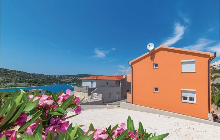 Holiday apartment with 2 bedrooms on 52m² in Sevid