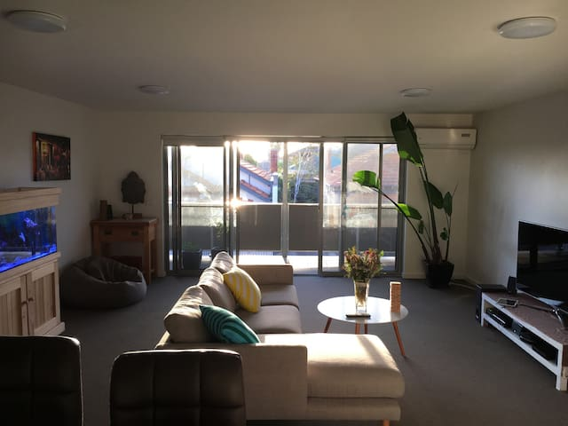 Chilled apartment in Funky Footscray - Footscray - Daire