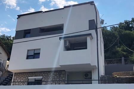 Apartments Jaki