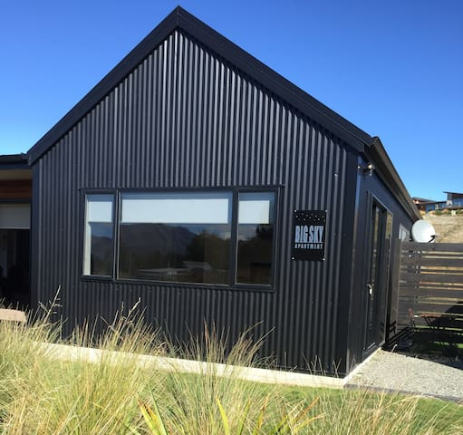 Sunny, warm, self contained apartment - Lake Tekapo - Daire