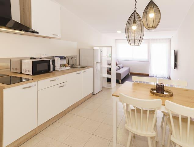 Apartamento con terraza cerca de la playa