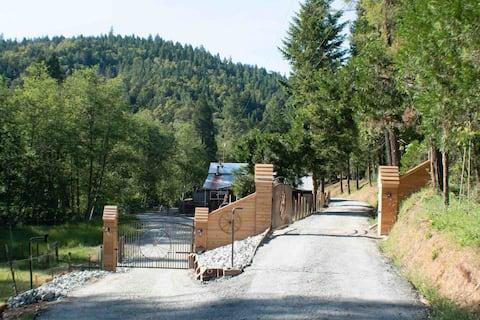 Ranch House #1.  1B -Farm Tour's•Near Crater Lake