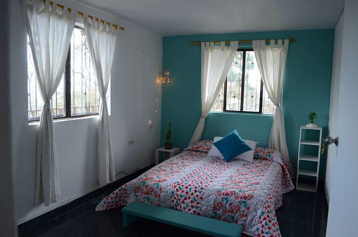 Beautiful private room in Santa Elena,Med Colombia - Medellín