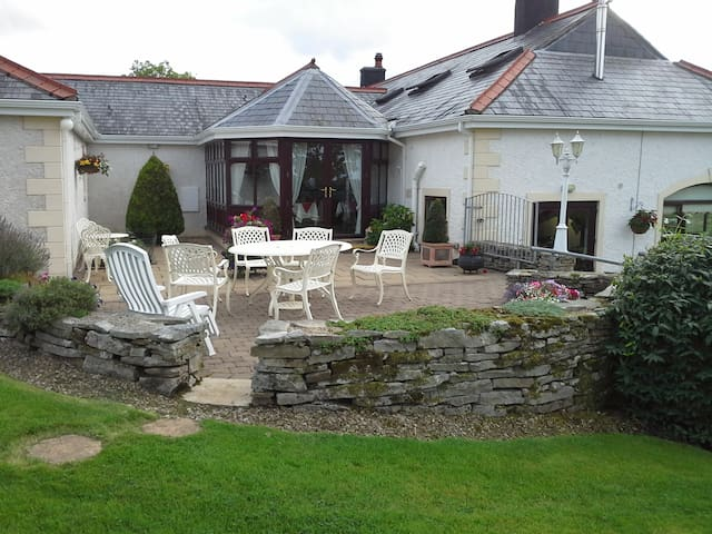 Willowbank House, 66 Belview Road - Fermanagh - Bed & Breakfast