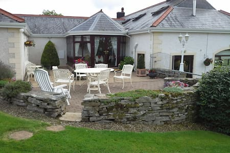 Willowbank House, 66 Belview Road - Bed & Breakfast