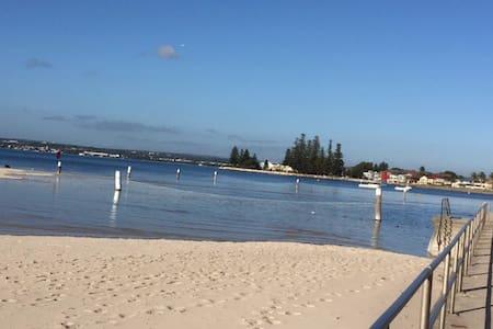 Botany Bay, convenient to Sydney. - Sans Souci - Daire