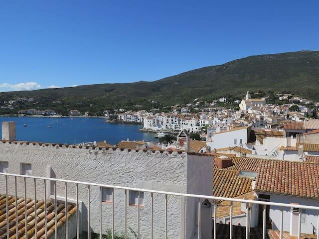 CREUS - Appartement avec de magnifiques vues sur la mer