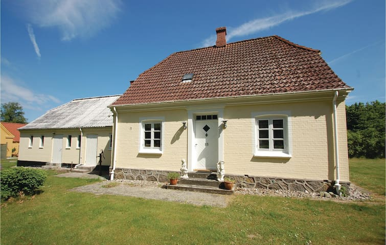 Former farm house with 3 bedrooms on 115m² in Tranekær