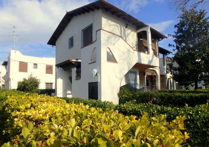 Villa Giuri - Casa Vacanze a Lido di Pomposa - Lido di Pomposa - Villa