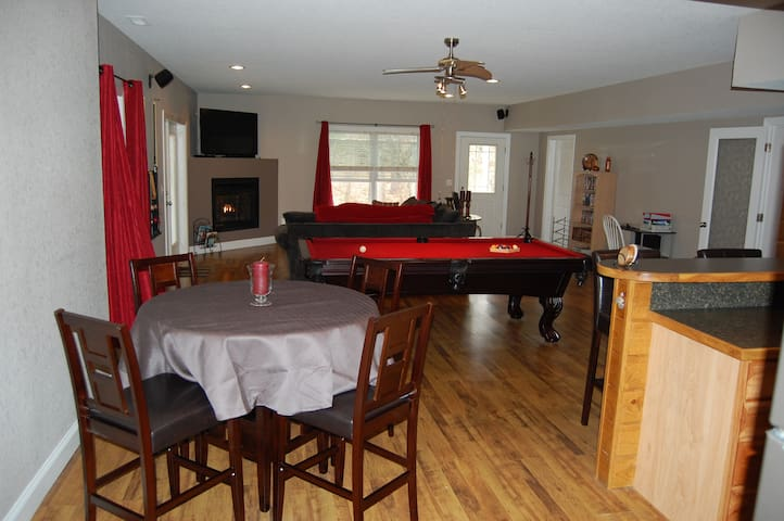 Private & beautiful 1 bedroom apartment. - Weaverville - Apartamento