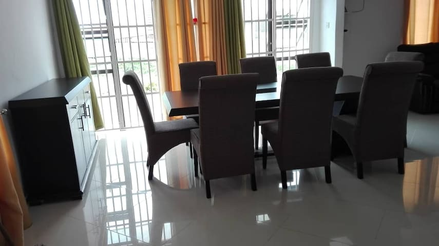 The Southview (Garage) Villa  (2nd bedroom option)