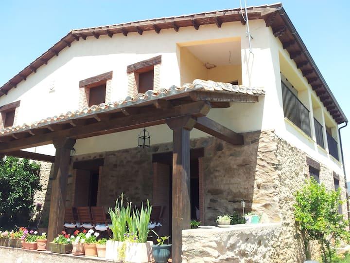 ¡Bienvenidos a Casa Rural Leonor!