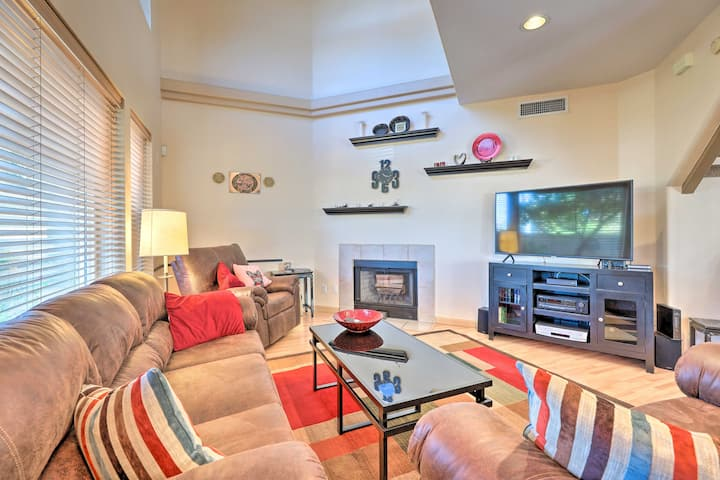Phoenix Townhome w/Pool Access, 13 Mi to Old Town!