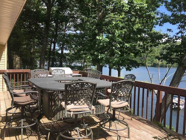 Lovely 3,200 Sq Ft Home On Beautiful Squam Lake!!