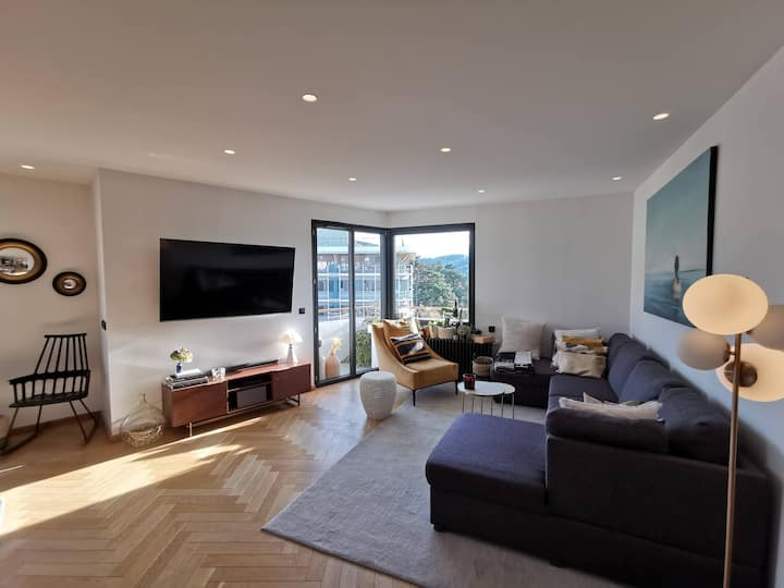 LAKE/CENTER, 125m2, air cond, 6 pers, luxury apt
