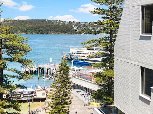 Manly wharf-side apartment - Isolation Freindly