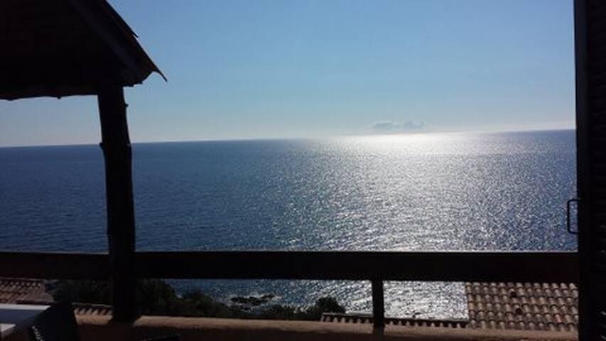 villa 2/7 Pers, vue mer 180°, plage de sable 300 m