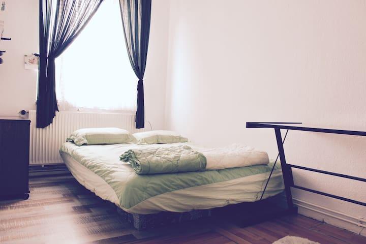 Private room near trade fair #2 - Hannover - Apartment