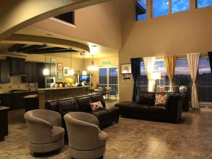 Beautiful home with Suite