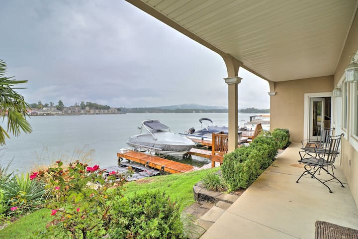 NEW! Lakefront Hot Springs Condo w/Boat Dock, Pool